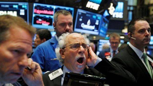 Πιέσεις εξ Αμερικής στις διεθνείς αγορές