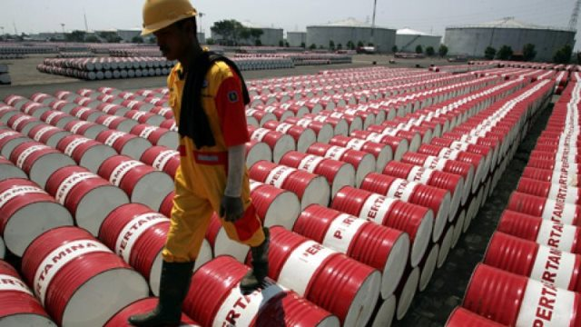 Συνεχίζει να ανεβαίνει το πετρέλαιο - Για