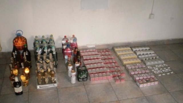 Πέντε συλλήψεις για λαθραία ποτά και τσιγάρα στον Προμαχώνα