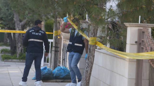 Ένα μαχαίρι, ένας αυτουργός, πολλά ερωτήματα για τη διπλή δολοφονία στη Κύπρο