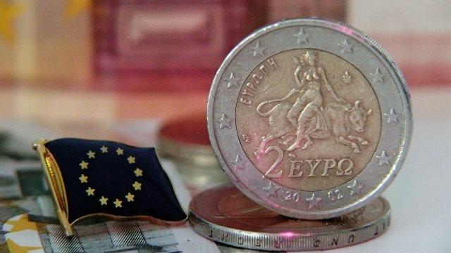 PwC: Δύο δεκαετίες πίσω έχουν πάει οι επενδύσεις στην Ελλάδα