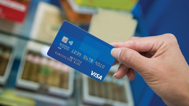 Πιτσιόρλας: Δέσμευση για διάκριση των τραπεζικών χρεώσεων στις κάρτες
