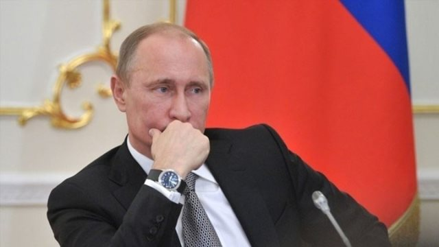 Πτώση 7% στην δημοτικότητα του Πούτιν ένα μήνα μετά την εκλογή του