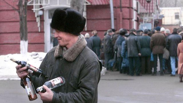 Οι Ρώσοι άρχισαν να πίνουν λιγότερο σύμφωνα με τον Παγκόσμιο Οργανισμό Υγείας