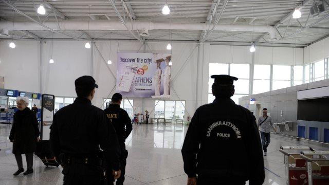Καναδός τουρίστας δάγκωσε αστυνομικό στο «Ελ. Βενιζέλος» επειδή του ζήτησε να τον ελέγξει!