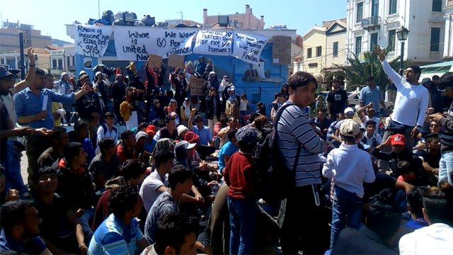 Λέσβος: Συνελήφθησαν 120 μετανάστες στην πλατεία Σαπφούς