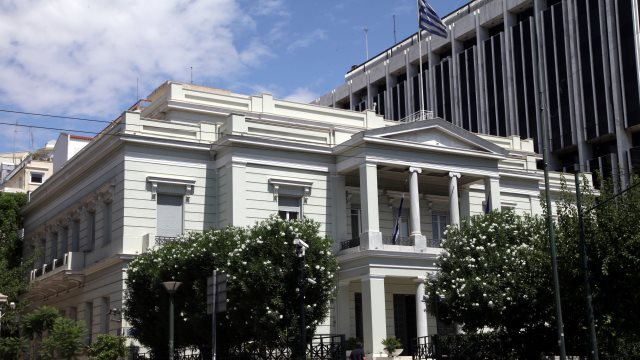 Υπουργείο Εξωτερικών: Ατυχείς οι δηλώσεις Χάν - Υπονομεύουν τις διαπραγματεύσεις
