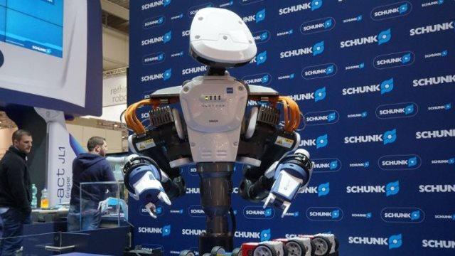Όταν ο άνθρωπος συγκλίνει με το ...ρομπότ