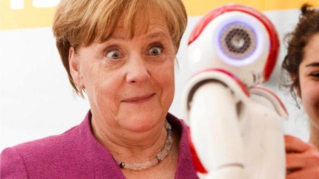 «ΝΑΟ»: Το ευγενικό ρομπότ που ξετρέλανε τη Μέρκελ!