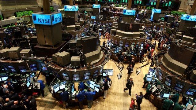 Wall Street: Τέλος στο ανοδικό σερί με «βουτιά» στα ομόλογα
