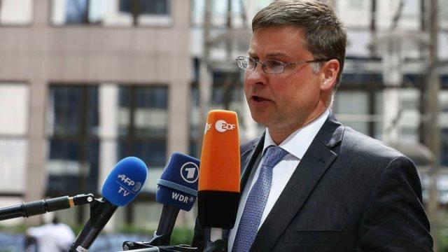 Ντομπρόβσκις: Η συμμετοχή του ΔΝΤ στο ελληνικό πρόγραμμα δεν προϋποθέτει και χρηματοδότηση από το Ταμείο