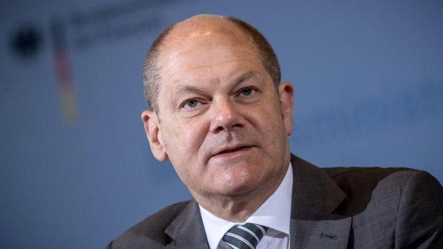DW: Η ελάφρυνση του χρέους θα φέρει σκληρή επιτροπεία στην Ελλάδα