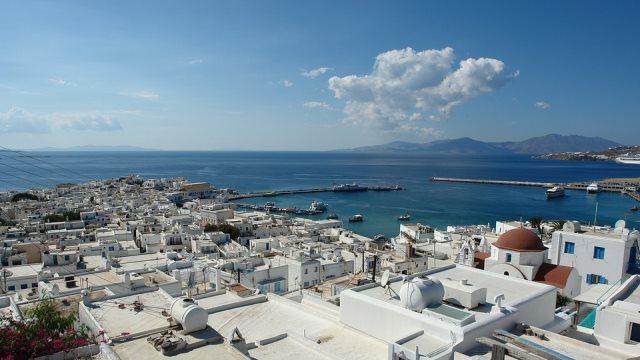 Μύκονος: Σε επιφυλακή οι Αρχές ενόψει του αποκλεισμού του νησιού από επιχειρηματίες για τις «γουρούνες»