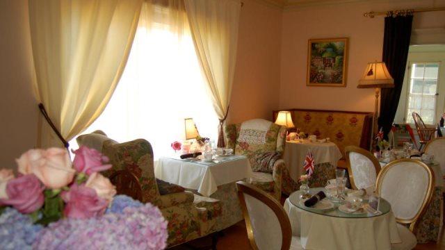 Rose Tree Cottage: Εκεί έμαθε η Μέγκαν Μαρκλ να πίνει τσάι σαν πριγκίπισσα