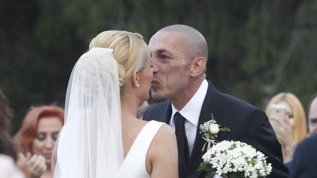 Παντρεύτηκαν Ασημακοπούλου - Τσιρίλο: Τα δάκρυα του ποδοσφαιριστή την ώρα του γάμου