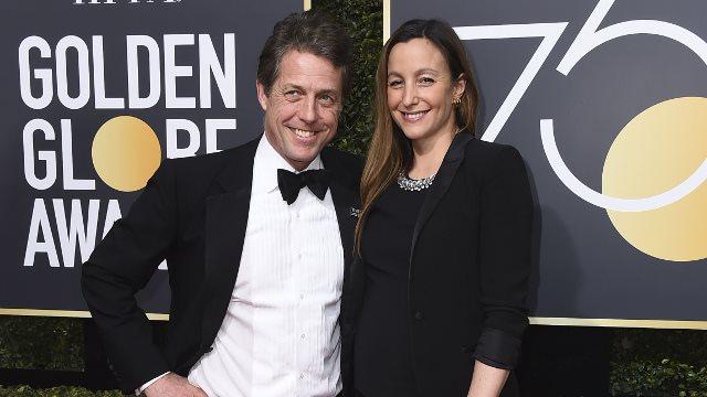 Παντρεύτηκε στα 57 του ο «εργένης» του Χόλιγουντ, Χιου Γκραντ