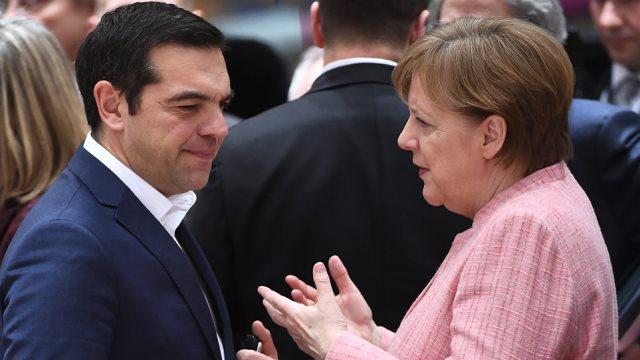 Τηλεφωνική επικοινωνία Μέρκελ με Τσίπρα και Ζάεφ για το θέμα της ονομασίας της ΠΓΔΜ