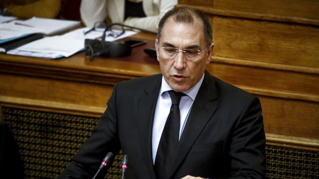Δημήτρης Καμμένος σε κυβέρνηση: Συμφωνείτε ότι ο Ρουβίκωνας στρατολογεί μέλη με την επιστολή του;