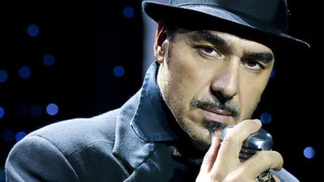 Στα αλβανικά κάλεσε ο Νότης Σφακιανάκης τον κόσμο για να πάει στη συναυλία του.