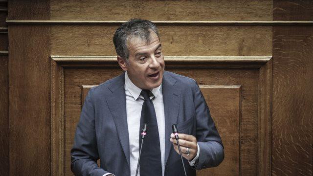 Θεοδωράκης: Ο τόπος θέλει νέα μυαλά, ταχύτητα, μέτωπο στον συντηρητισμό και τον λαϊκισμό