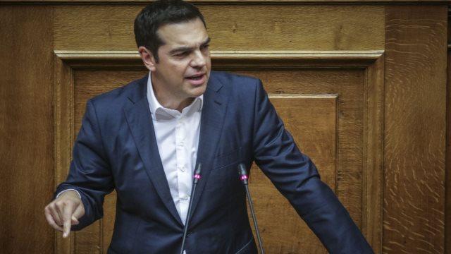 Σύρθηκε να καταδικάσει τις απειλές  Ρουβίκωνα κατά Μητσοτάκη ο Τσίπρας
