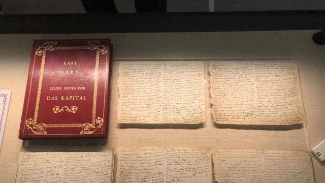 Κίνα: Χειρόγραφο του Μαρξ πουλήθηκε σε δημοπρασία για 450.000 δολάρια