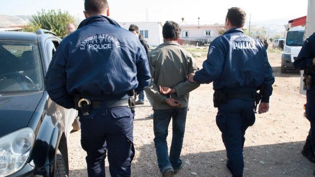 Η εξάρθρωση σπείρας ληστών αιτία για τον πόλεμο τσιγγάνων-αστυνομικών στο Πυρί