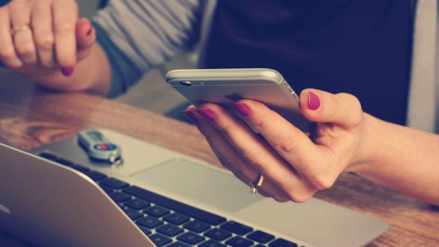 Σε «πανικό» οι εταιρείες με τον νέο κανονισμό για τα προσωπικά δεδομένα - Τι ισχύει με τα μαζικά emails