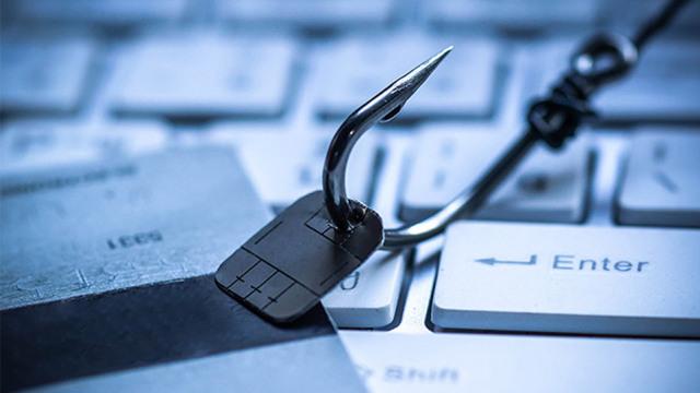 Αύξηση 200% στις ηλεκτρονικές απάτες: Συναγερμός από Θεοδωρικάκο - Τι  αποφασίστηκε σε σύσκεψη με Στουρνάρα