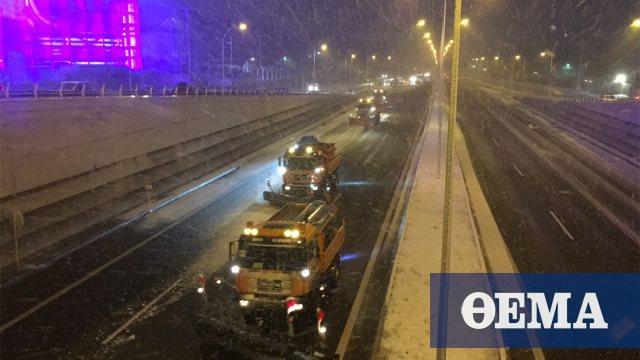 Κακοκαιρία «Μήδεια»: Σφοδρή χιονόπτωση στην Αττική – Κλειστή η εθνική οδός Αθηνών