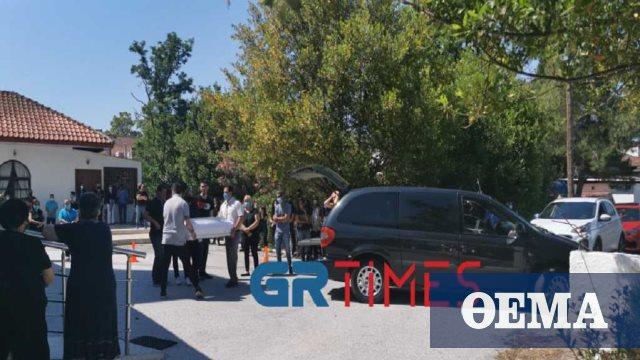 Μάλγαρα: Σπαραγμός στην κηδεία του 18 μηνών βρέφους