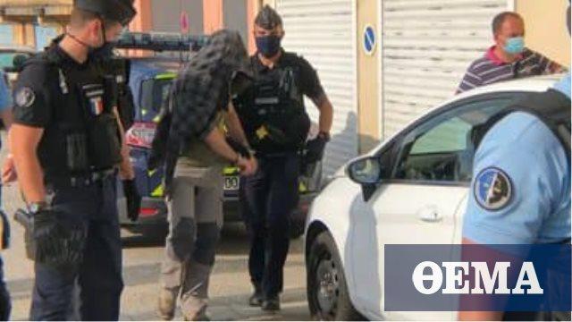 Φυλάκιση 18 μηνών ζητούν οι εισαγγελείς για τον 28χρονο που χαστούκισε τον Μακρόν