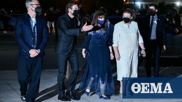 Dior: Η ελληνική δημιουργία που φόρεσε η Πρόεδρος της Δημοκρατίας και τα υποχρεωτικά self test