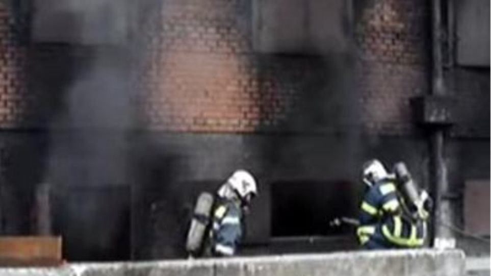 Φωτιά σε υπόγειο στο Παγκράτι