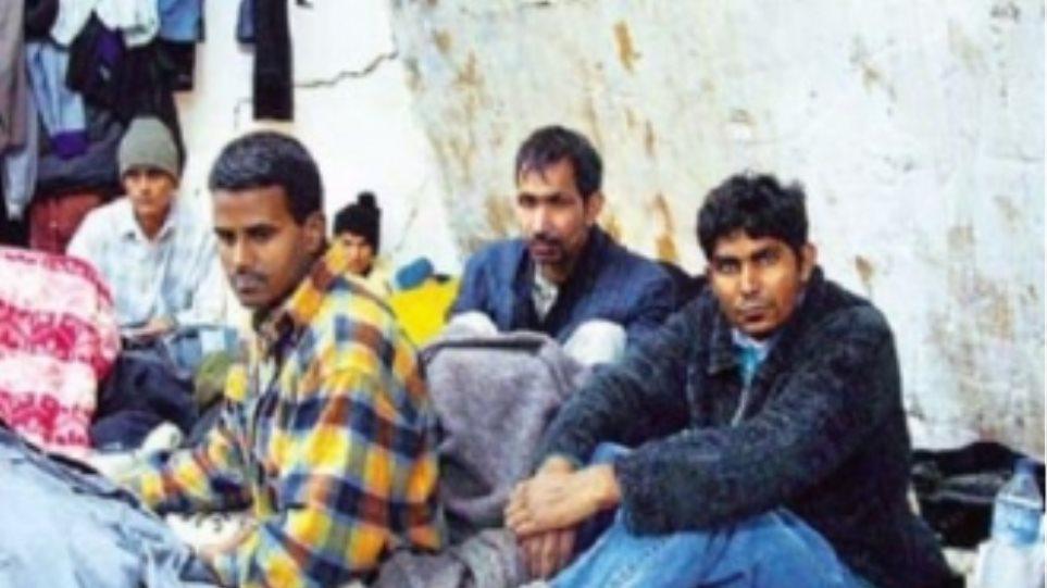 """""""Αγκάθι"""" η εισροή μεταναστών στη Σκάλα Λακωνίας"""