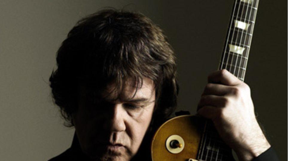 Σε αναρρόφηση οφείλεται ο θάνατος του κιθαρίστα Γκάρι Μουρ