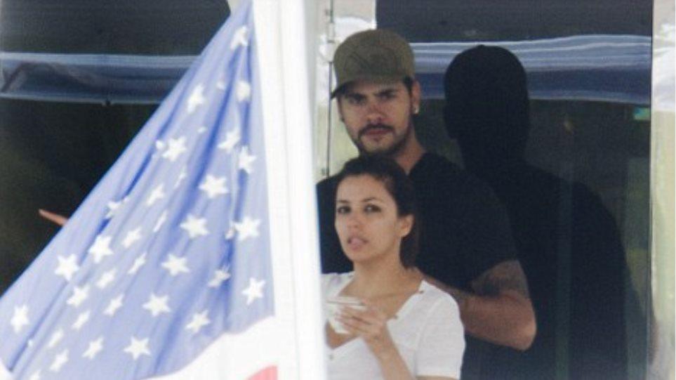 Ζευγάρι με τον αδερφό της Penelope Cruz η Longoria