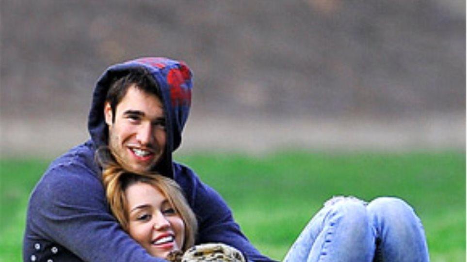 Η Miley Cyrus με τον πρώην της Winehouse
