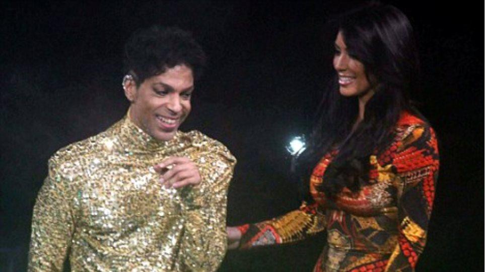 Kardashian στη σκηνή μαζί με Prince
