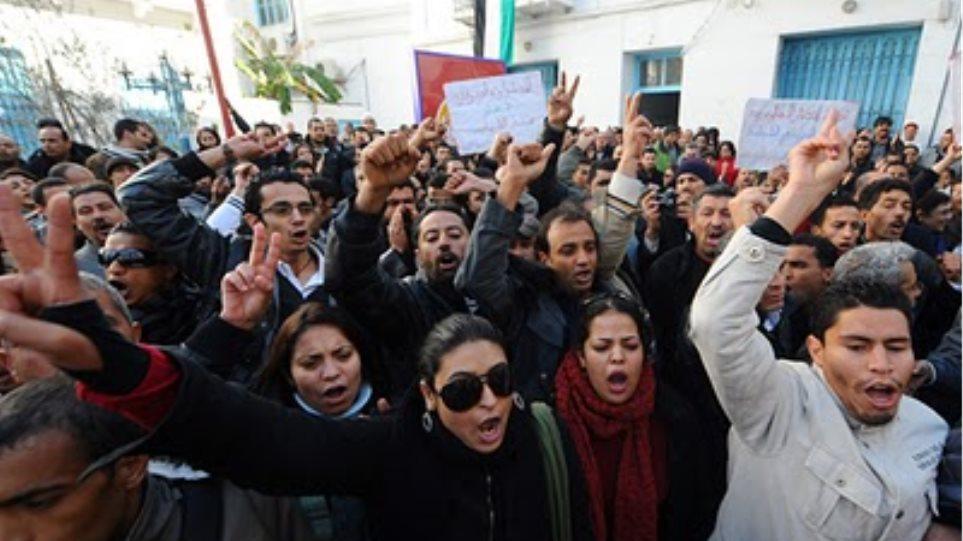 2,6 δισ. ευρώ κόστισε στην Τυνησία η «Επανάσταση του Γιασεμιού»