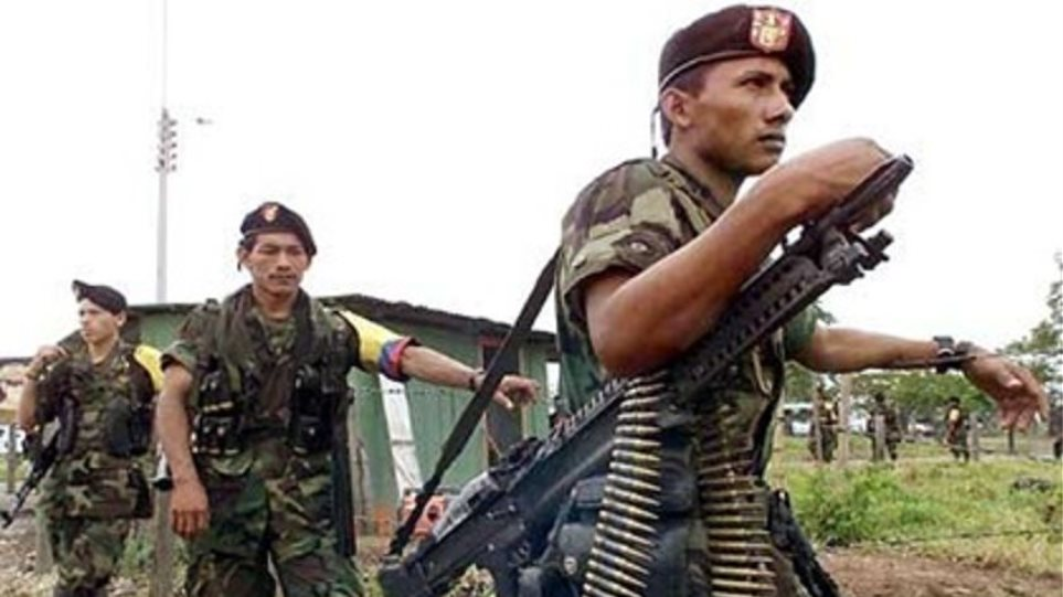 Οι αντάρτες του FARC άφησαν ελεύθερο τον Μπακέρο