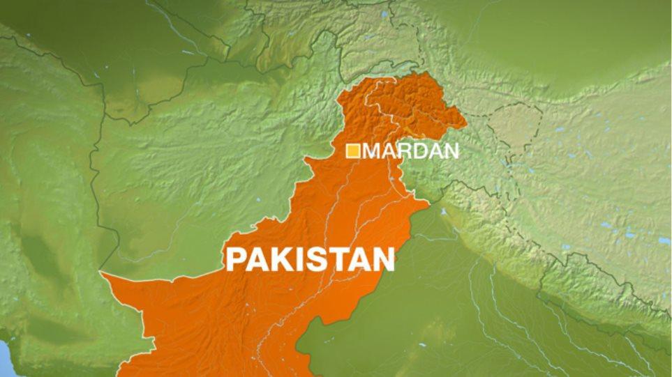 Έφηβος σκόρπισε το θάνατο σε στρατόπεδο στο Πακιστάν