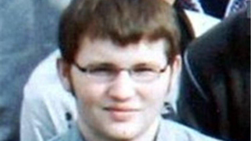 Ελεύθερος ο πατέρας του 17χρονου δολοφόνου