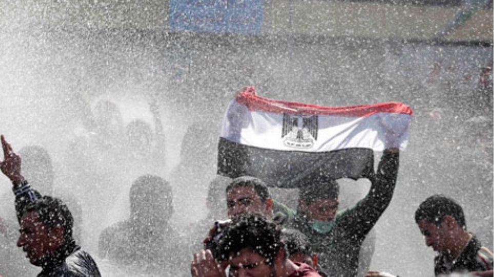 Νεκρός Αιγύπτιος εργαζόμενος στην αμερικανική πρεσβεία του Καΐρου