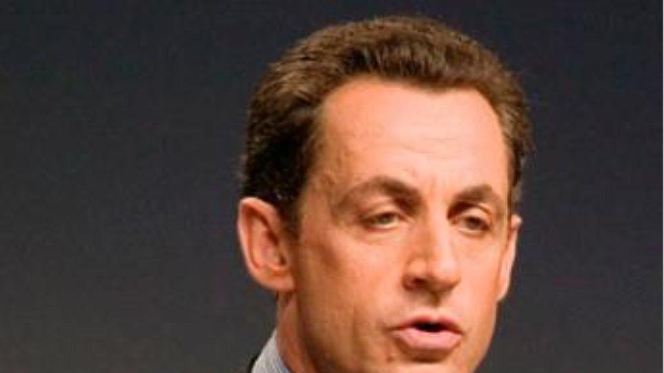 Θετικές πολιτικές αντιδράσεις για την παραίτηση Μουμπάρακ
