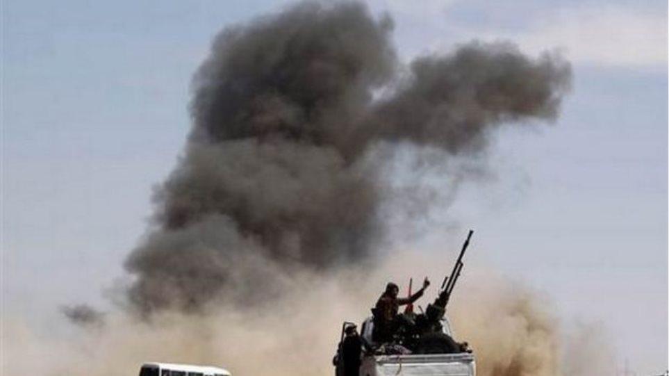 Το ΝΑΤΟ έπληξε στρατιωτικό εξοπλισμό του Καντάφι