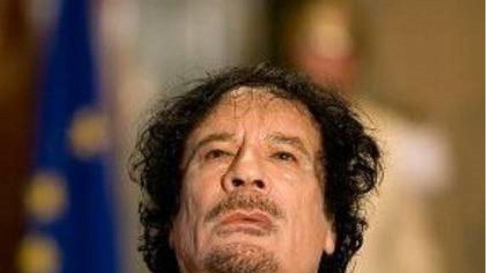 «Απών» ο Καντάφι στις διαπραγματεύσεις για τη χώρα του