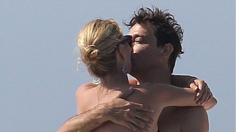 Γαμήλιο ταξίδι σε σκάφος για την Kate Moss