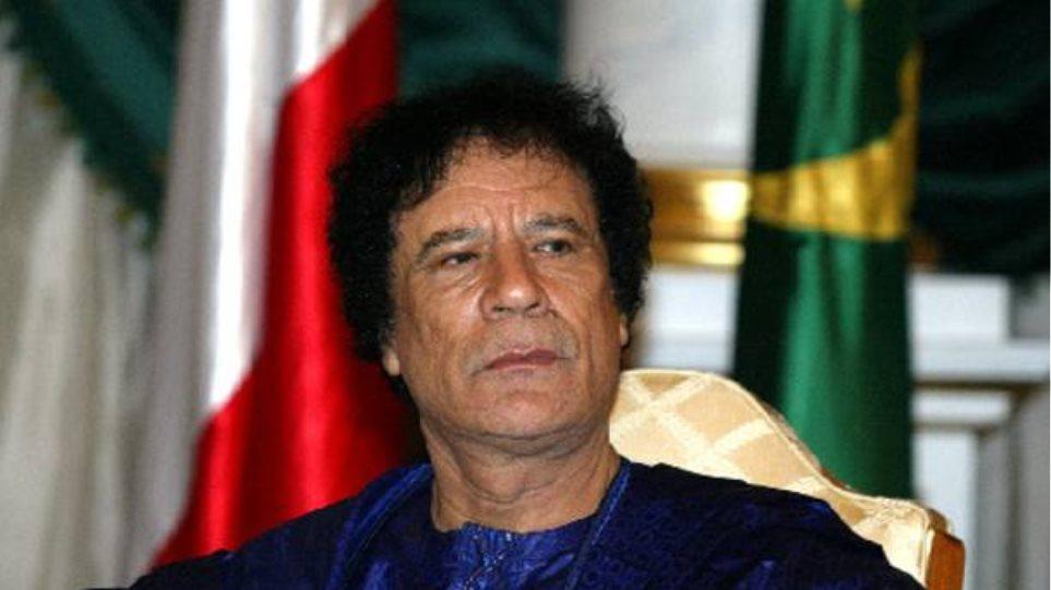 """""""Το καθεστώς δε θα πέσει"""" δήλωσε ο Καντάφι"""