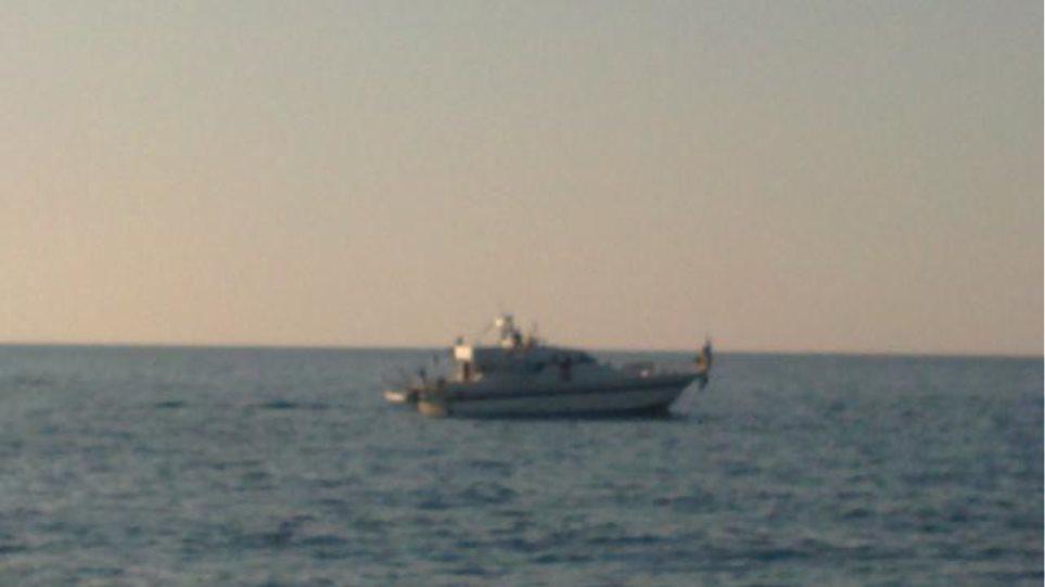 """Το """"Τζουλιάνο"""" του Στολίσκου για τη Γάζα στο Ενετικό λιμάνι των Χανίων"""